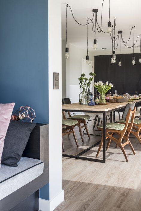 De keuken en de eettafel zijn bijzonder gezellig, de ideale plek om fijn te tafelen en uren na te praten