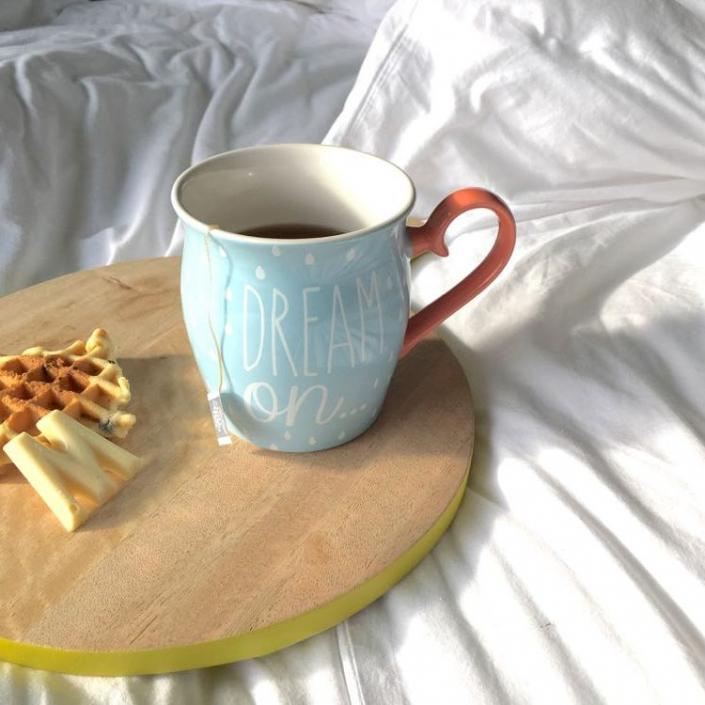 Er is een klassieke koffiezet, een nespresso-apparaat en eentje van Doce Gusto, keuze genoeg voor je favoriete koffie